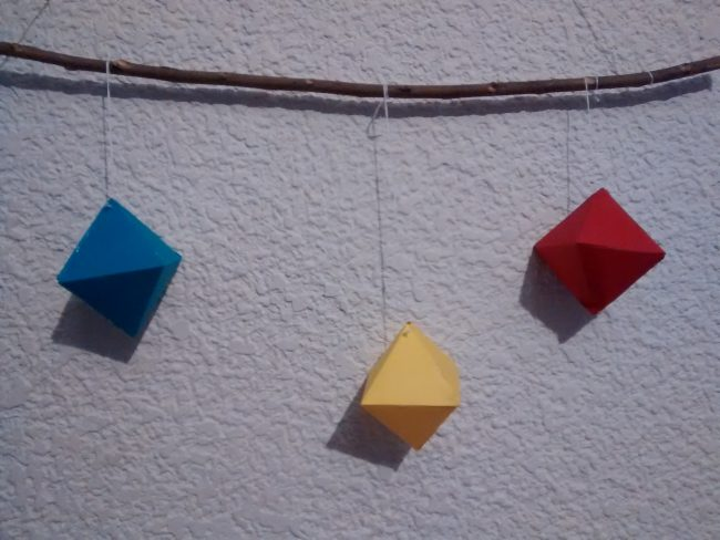 Móvil Montessori Octaedros